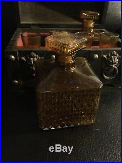 Vintage Glass Liquor Decanters & Glasses Wood Chest Bar Set AMBER